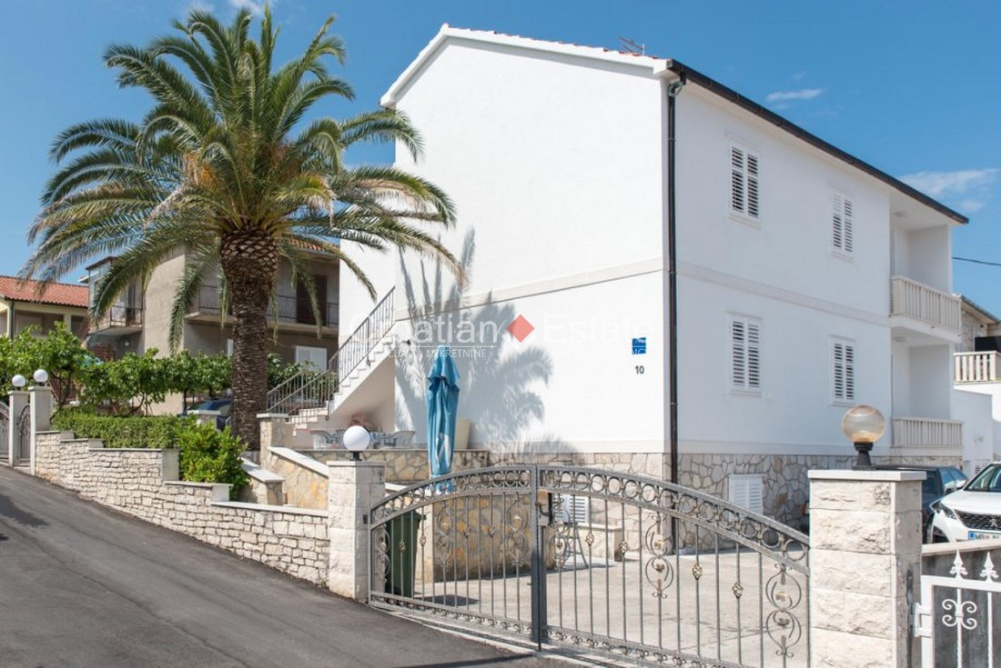 Island Brač – two storey apartment house for sale