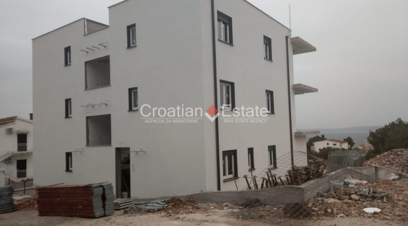 Ciovo two bedroom apartment common pool for sale 14 (Kopiraj)