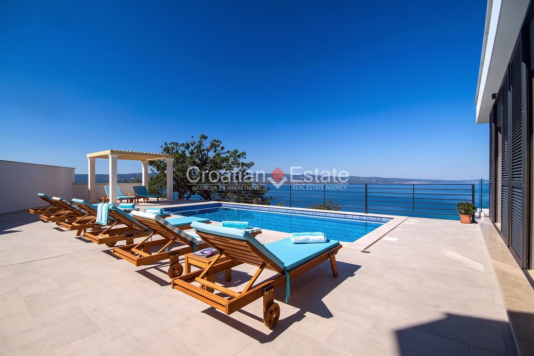 Omiš – new villa with panoramic view of the sea and city for sale