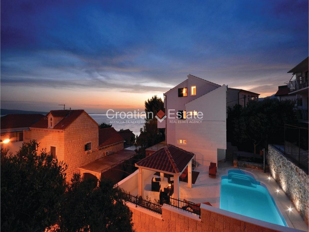 Omiš – villa with pool and sea view for sale