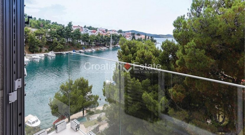 Zaboric villa with 7 bedrooms seafront sale 17 (Kopiraj)