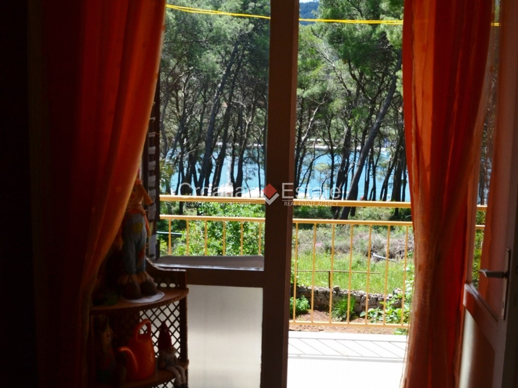 Island Hvar – seafront house in a quiet area for sale