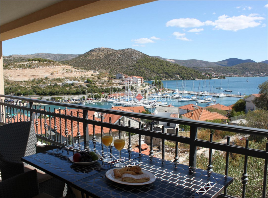Marina – apartment with two bedrooms, barbecue and sea view for sale