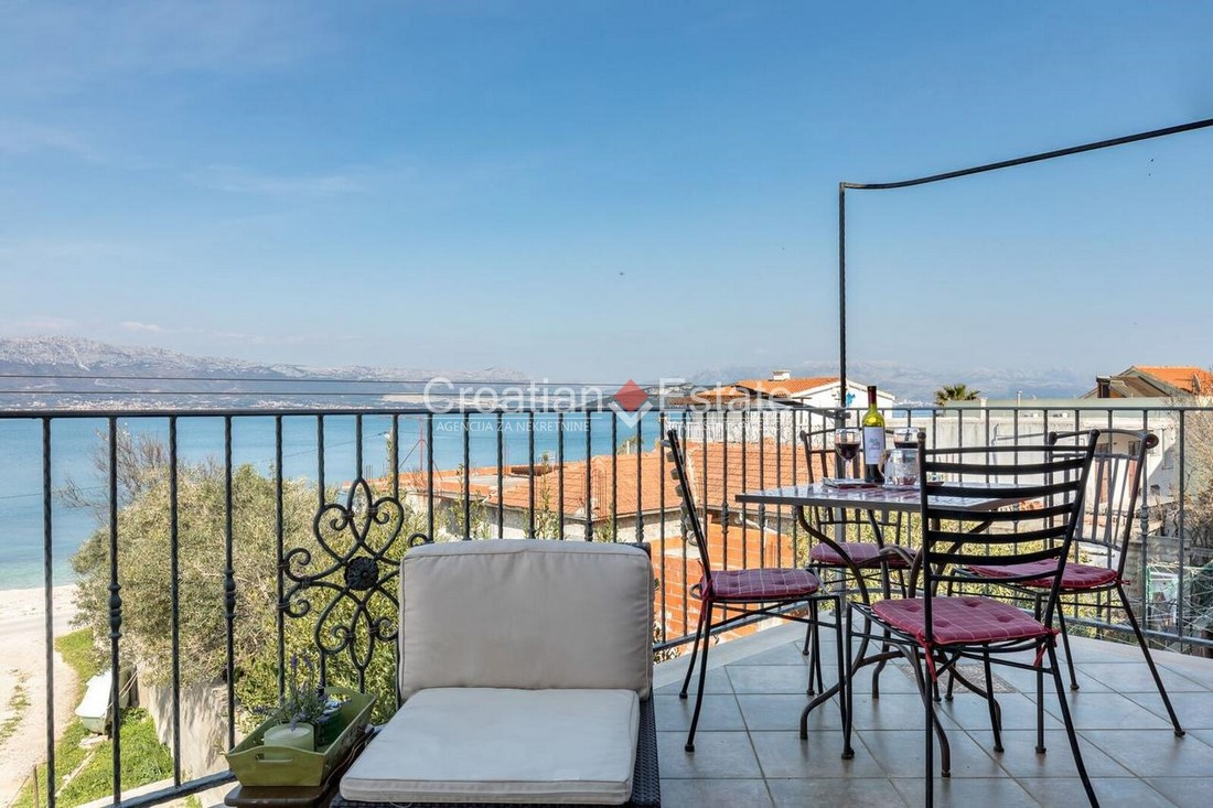 Island Čiovo – semi-detached house with sea view for sale