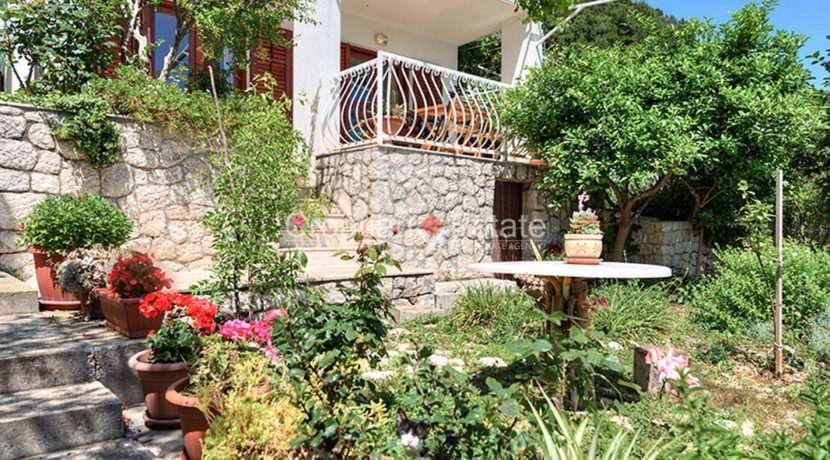 Pisak Omis house 2nd row sea for sale 3 (Kopiraj)