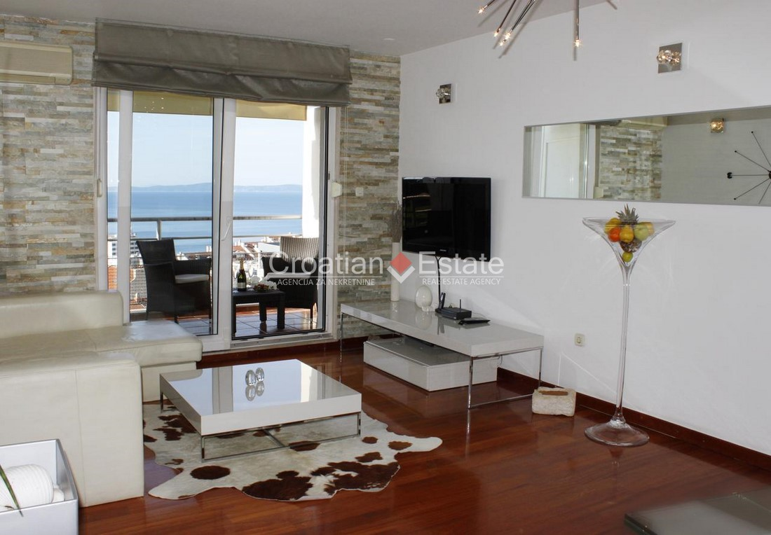 Split – Žnjan, comfortable three bedroom apartment with sea view for sale