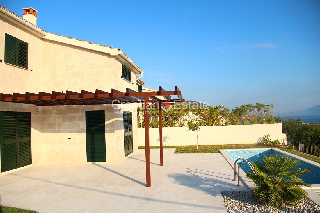 Vinjerac – newly built stone villa with pool and sea view for sale