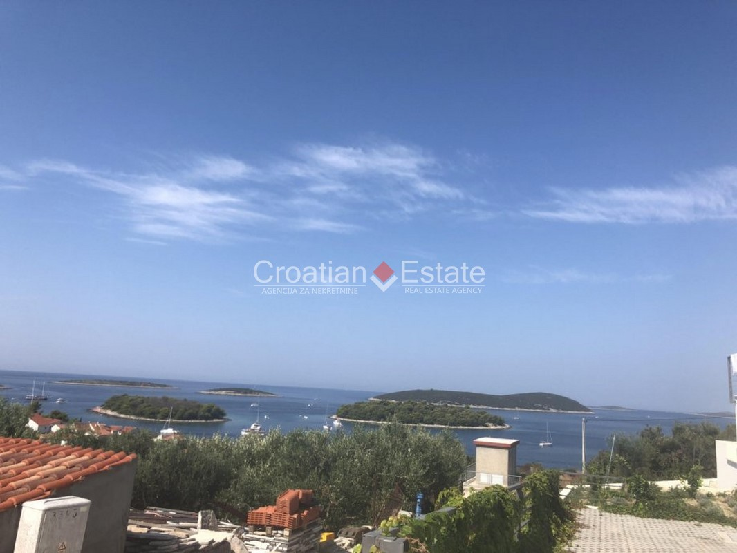 Island Šolta – building plot with sea view for sale