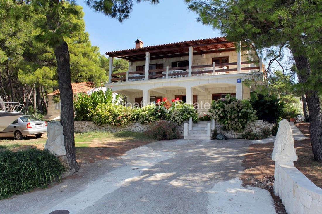 Island Brač – seafront house on a large plot for sale