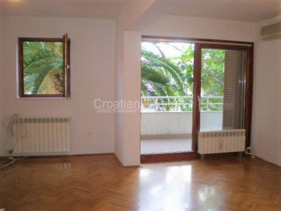 Split – Meje, duplex three bedroom apartment with parking for sale