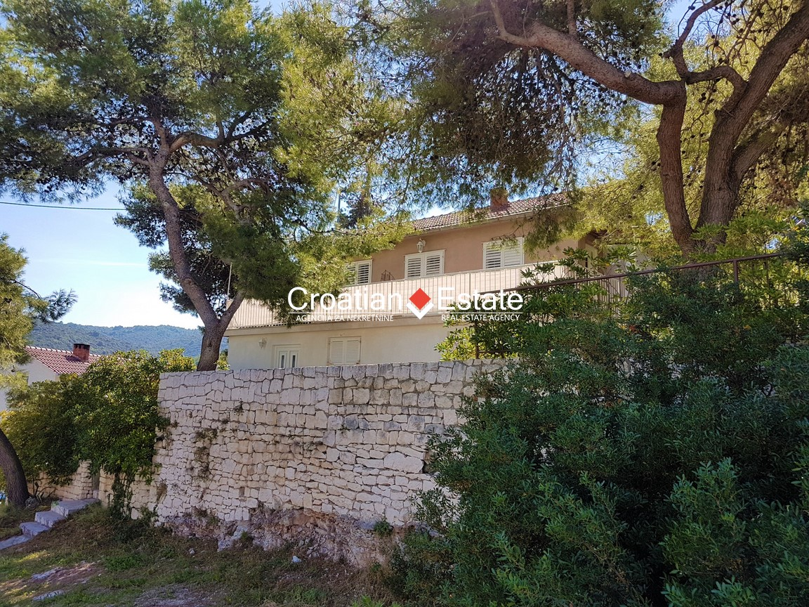 Island Brač – house with two apartments and sea view for sale