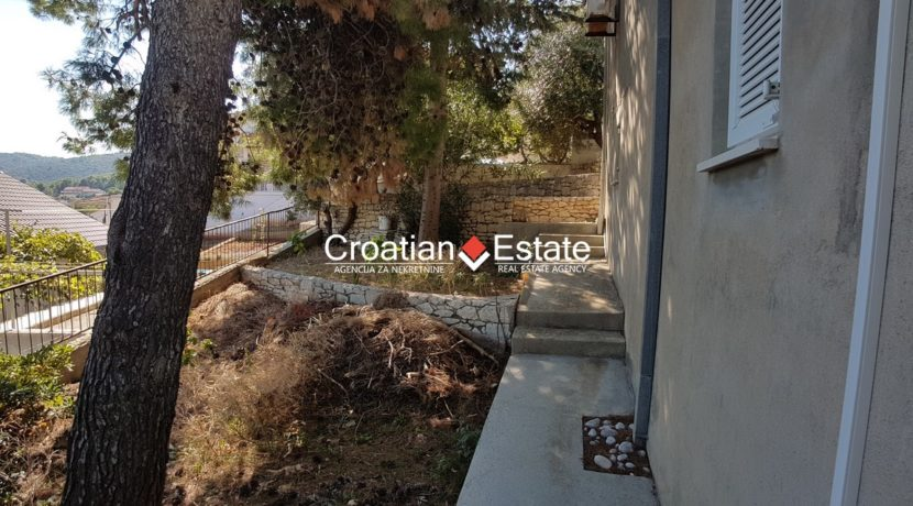 Brac house two apartments sea view for sale 8 (Kopiraj)
