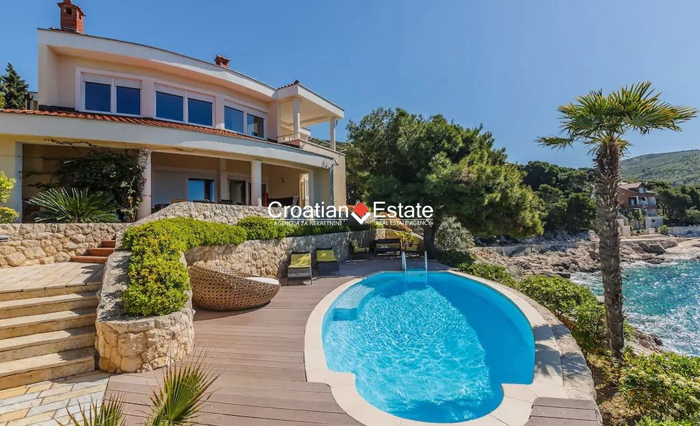 Primošten – luxury seafront villa with heated pool for sale